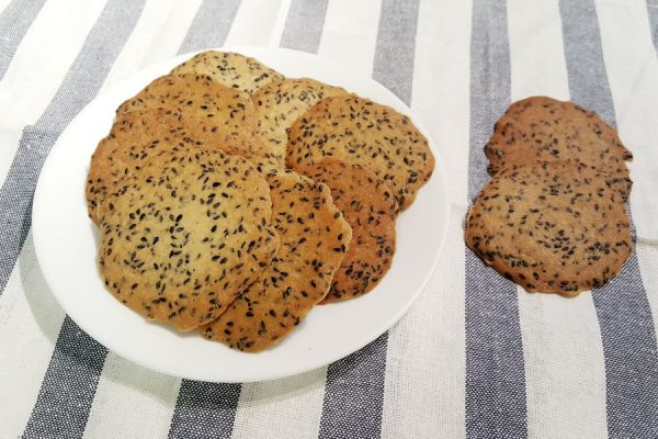 roasted black sesame cookies